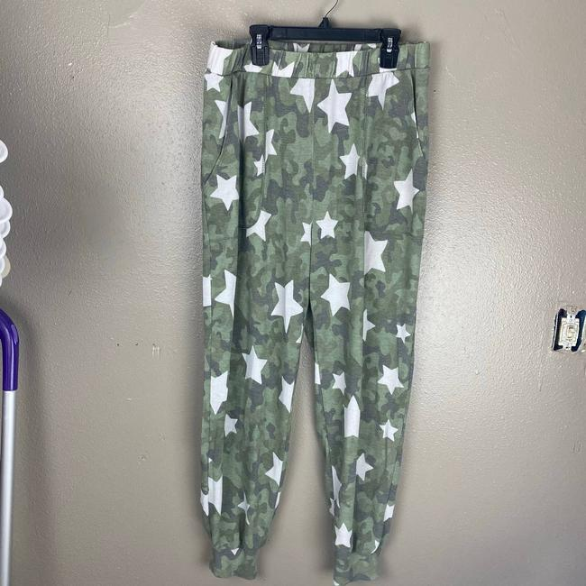 Item - Green Camo Star Print Joggers Anthro M Activewear Bottoms Size 8 (M, 29, 30)