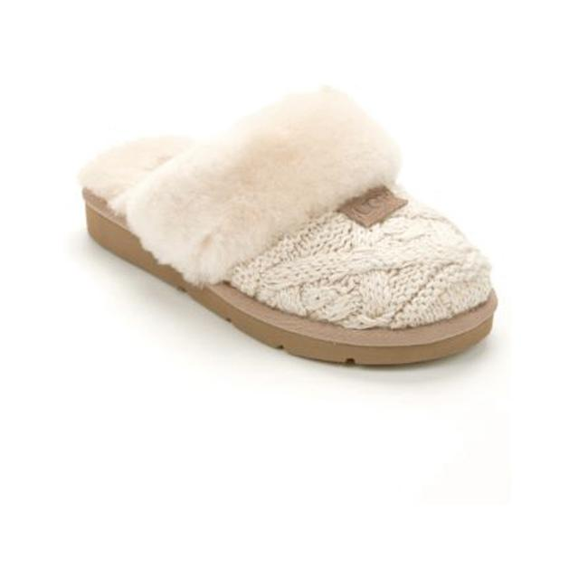 Item - Cream Cozy Knit Cable Slippers In Flats Size US 9 Regular (M, B)