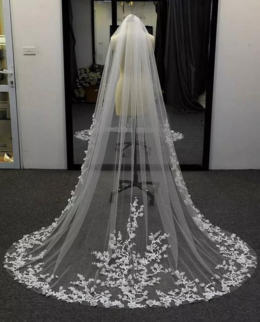 Item - Long White Ivory Off-white Any Length Cathedral with Comb. This Listing Is For 10 Feet Bridal Veil