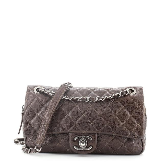 Item - Classic Flap Easy Quilted Caviar Medium Brown Leather Cross Body Bag