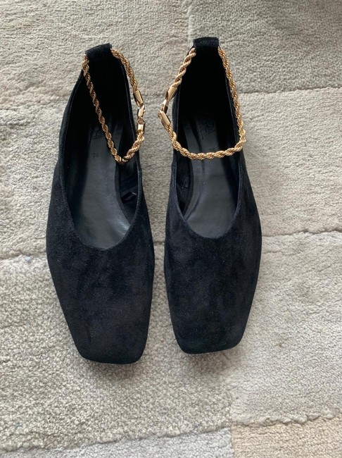 Item - Leather with Chain Flats Size EU 36 (Approx. US 6) Regular (M, B)