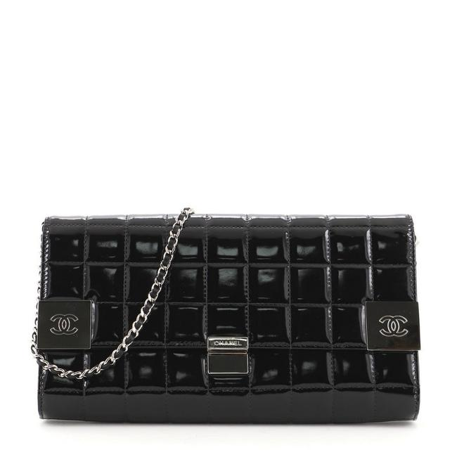 Item - Clutch Chocolate Bar Chain Quilted Black Patent Leather Shoulder Bag