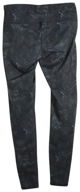 Item - Black and Dark Green Activewear Bottoms Size 0 (XS, 25)