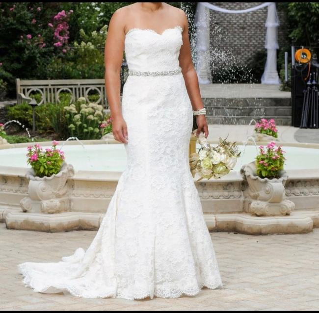 Item - Lace Sweetheart Sleeveless Lace Embroidered Embellished Fitted Empire Waist Flare Swarvoski Formal Wedding Dress Size 8 (M)