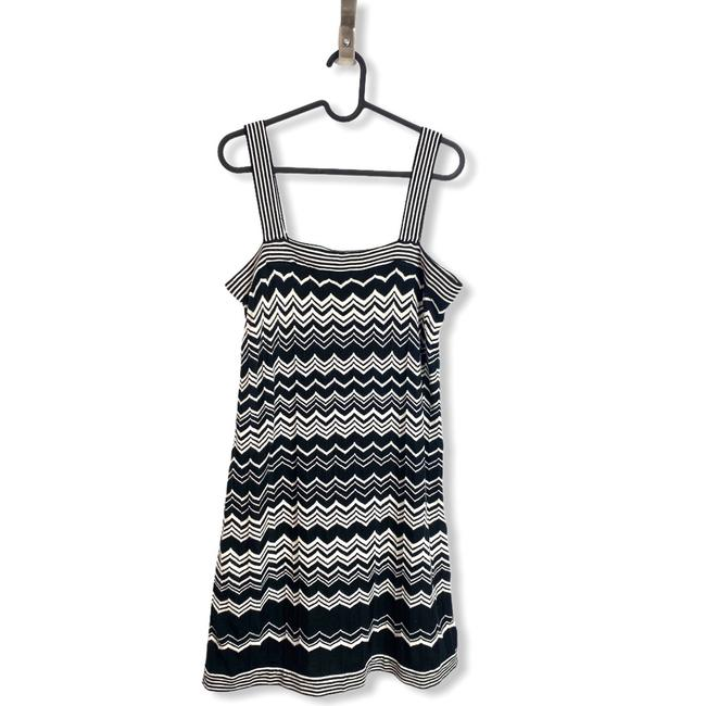 Item - Black White Womens For Target Cheveron Print Mini Medium Short Casual Dress Size 8 (M)