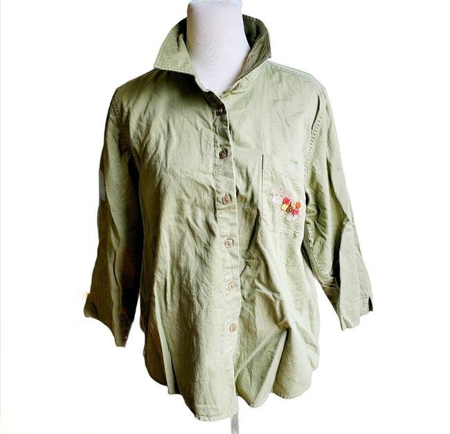 Item - Light Green Dog Embroidered Button-down Top Size 12 (L)