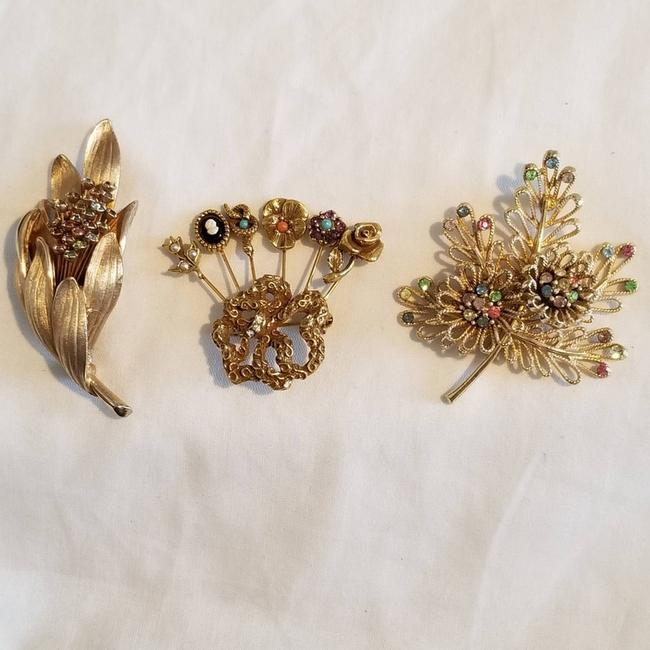 Item - Pink 1940's Floral Gold-plated Brooch/Pin