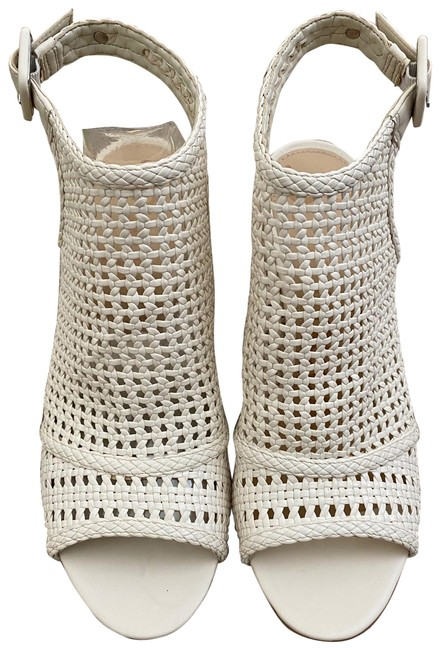 Item - White Evie Boots/Booties Size US 8.5 Regular (M, B)