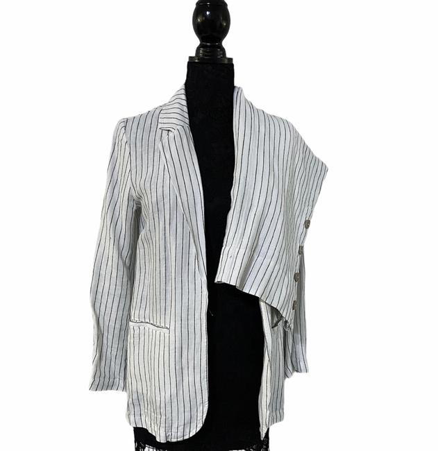 Item - White and Black Pinstripe Linen Pant Suit Size 4 (S)