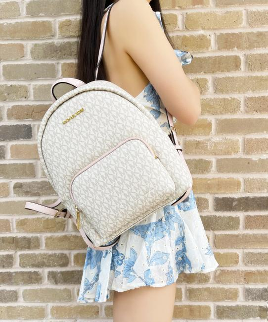 Item - Erin Abbey Medium Mk Signature Pink Powder Blush Vanilla Backpack