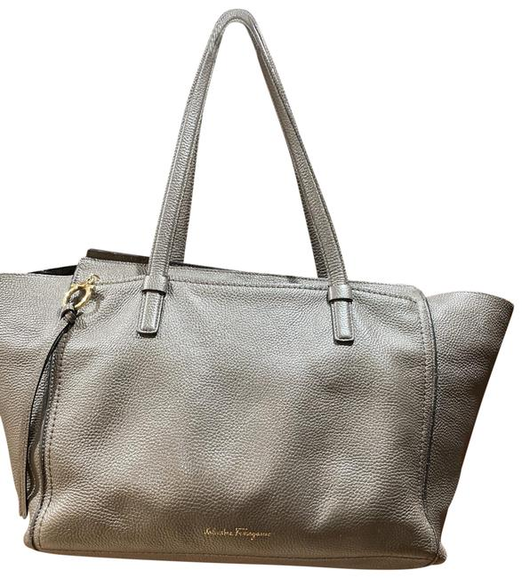 Item - Large In Pebble Grey Leather Tote