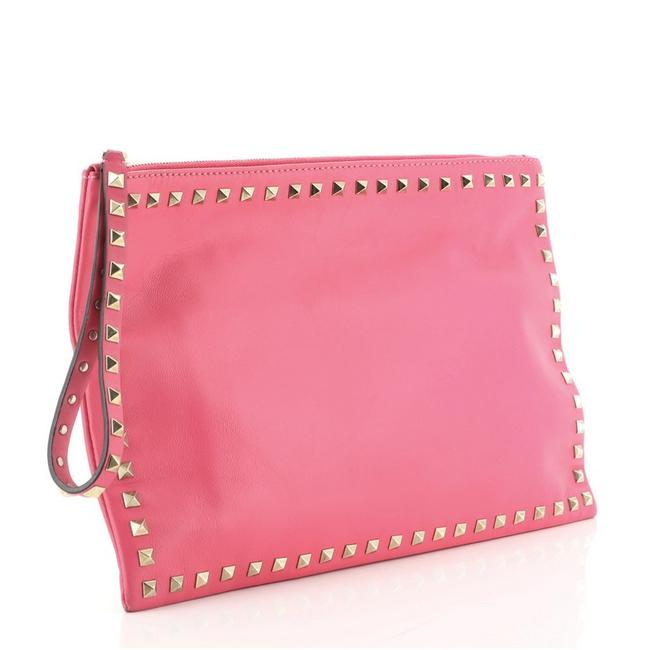 Valentino Rockstud Pouch Large Pink Leather Clutch Valentino Rockstud Pouch Large Pink Leather Clutch Image 2