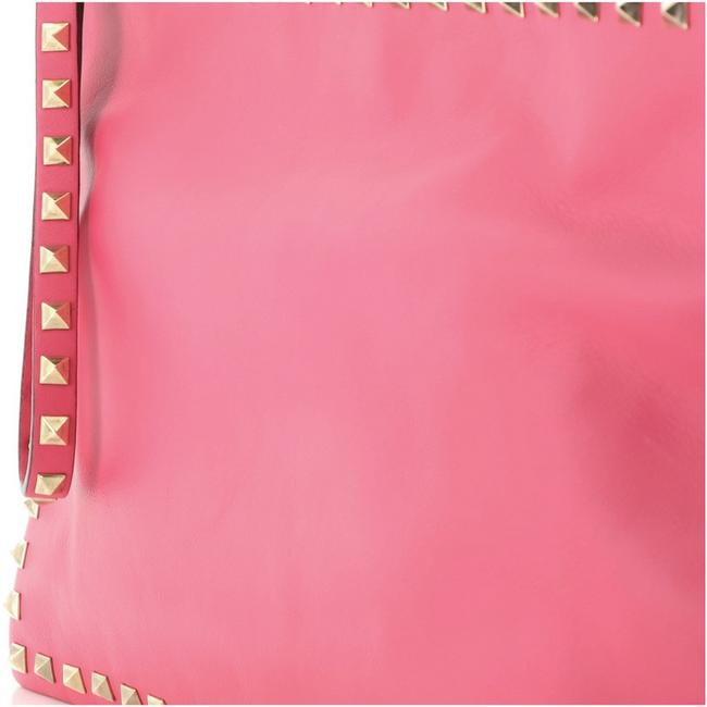 Valentino Rockstud Pouch Large Pink Leather Clutch Valentino Rockstud Pouch Large Pink Leather Clutch Image 7