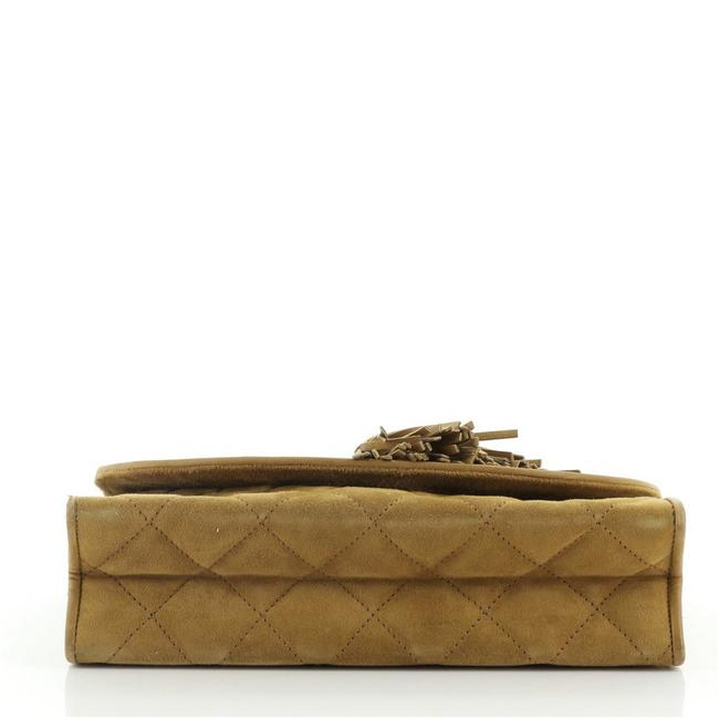 Chanel Vintage Tassel Round Flap Quilted Small Brown Suede Clutch Chanel Vintage Tassel Round Flap Quilted Small Brown Suede Clutch Image 4