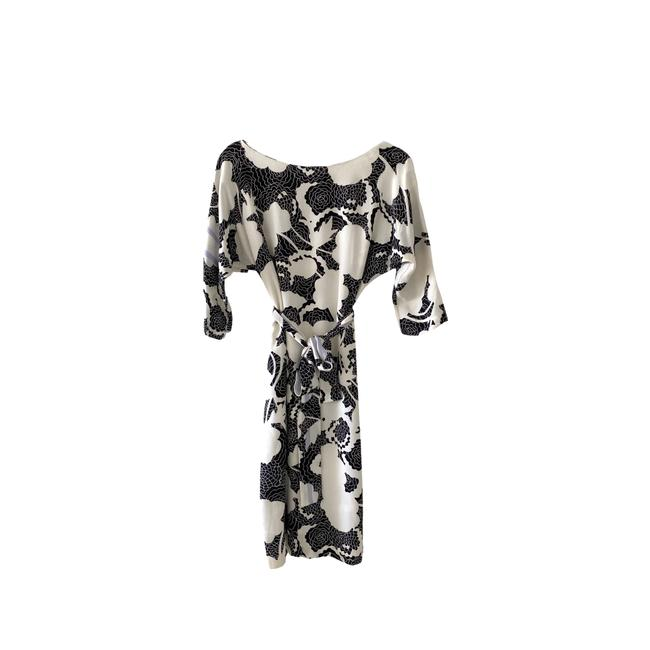 Item - White Black Floral Print Silk Mid-length Casual Maxi Dress Size 4 (S)