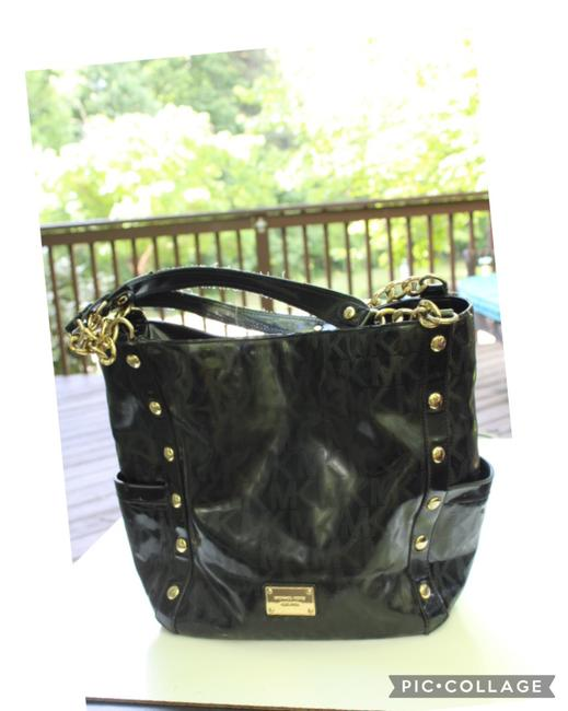 Item - Studded Gold Chain Black Patent Leather Tote