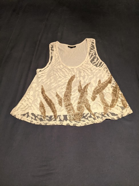 Item - *** White & Gold Top