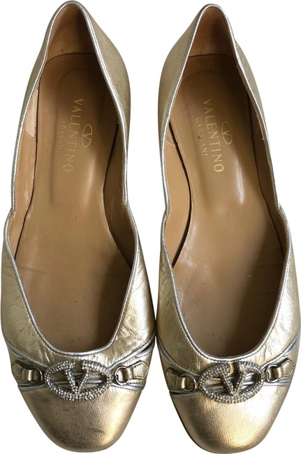Item - Gold and Silver Metallic Leather Crystal Vlogo Flats Size EU 37.5 (Approx. US 7.5) Regular (M, B)