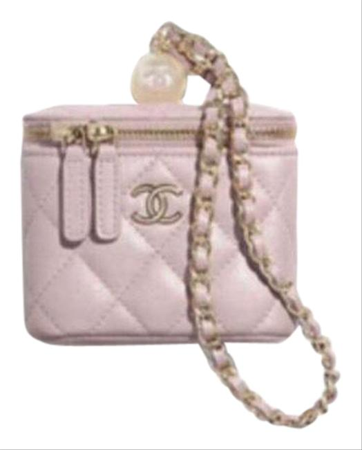 Item - Small Vanity with Pearl and Handle Light Pink Leather Clutch