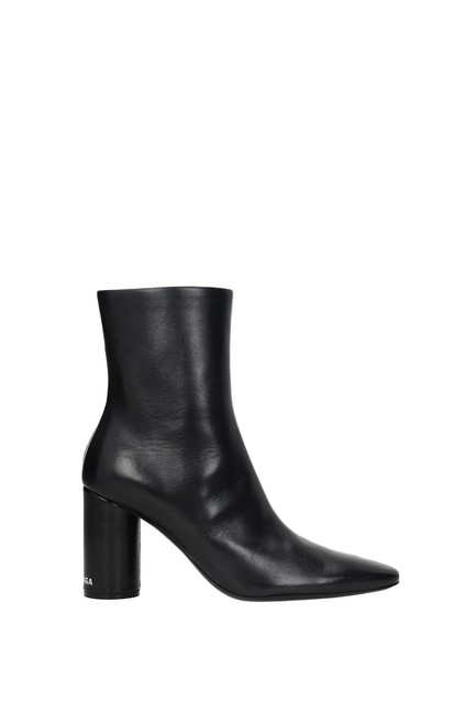 Item - Black Ankle Women Leather Boots/Booties Size EU 37.5 (Approx. US 7.5) Regular (M, B)