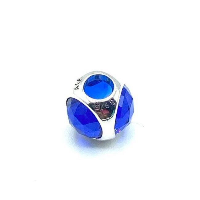 Item - Silver Blue Multifaceted Charm