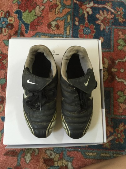 Nike Cleats Noventa Sneakers Gray/Silver Athletic
