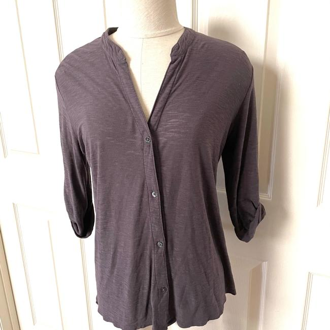 Item - V Neck Button-down Top Size 2 (XS)