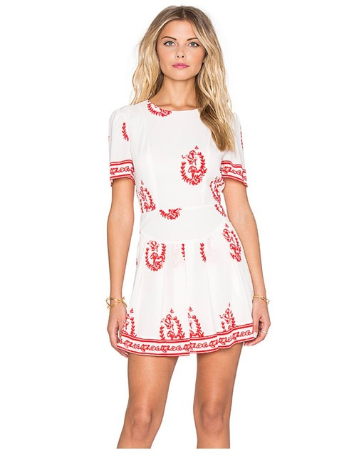 Item - White Red Oakley In Medallion Print By Short Casual Dress Size 12 (L)