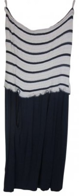 Preload https://item4.tradesy.com/images/guess-navy-blue-and-white-tube-top-sun-above-knee-short-casual-dress-size-6-s-29128-0-0.jpg?width=400&height=650