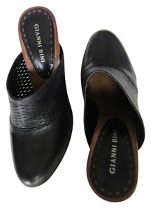 Gianni Bini black with wooden wedge Mules
