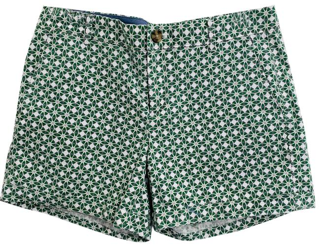 Item - Green And White Design Shorts Size 8 (M, 29, 30)