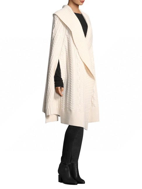 Item - White Wool Cashmere Poncho/Cape Size OS (one size)