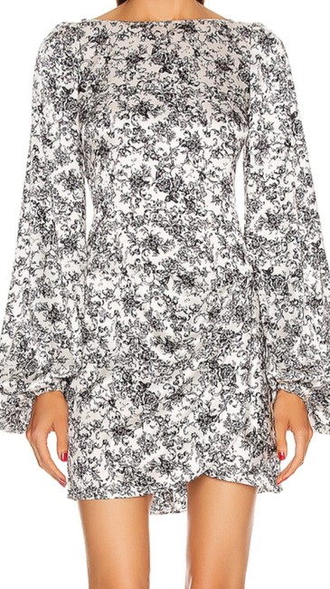 Item - Black/ White Floral Leonie Short Night Out Dress Size 4 (S)