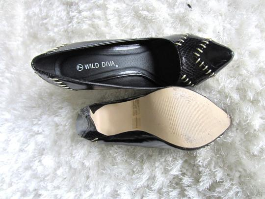Wild Diva black with ivory sticthing Pumps