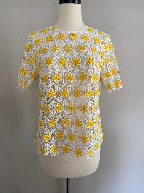 Item - Yellow and White Crochet Flower Lace Blouse Size 2 (XS)