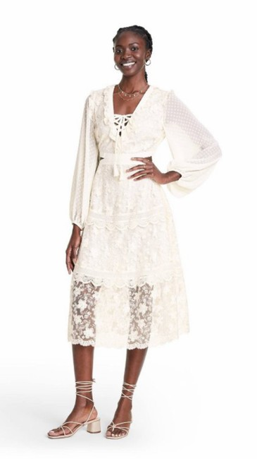Item - Ivory X Target Floral Lace Cut Out Long Sleeve Midi Mid-length Short Casual Dress Size 8 (M)
