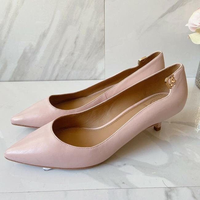 Item - Pink T Logo Pointed Toe Heel Sea Shell Leather Pumps Size US 9 Regular (M, B)