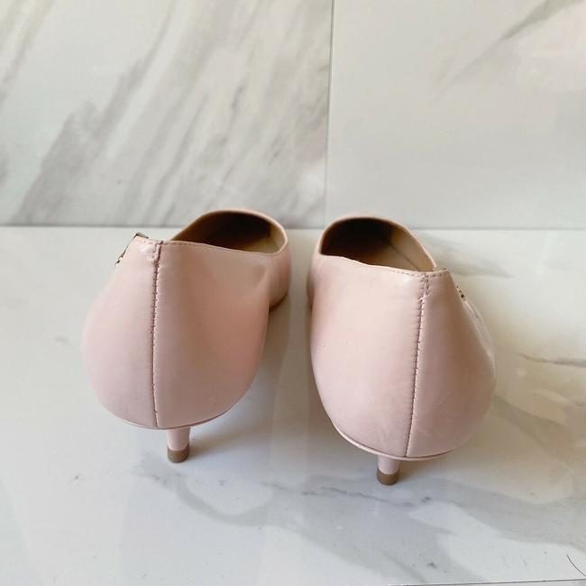Tory Burch Pink T Logo Pointed Toe Heel Sea Shell Leather Pumps Size US 9 Regular (M, B) Tory Burch Pink T Logo Pointed Toe Heel Sea Shell Leather Pumps Size US 9 Regular (M, B) Image 5