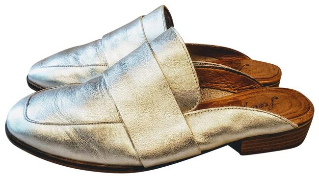 """Item - Silver """"At Ease"""" Loafer Mules Flats Size US 5.5 Regular (M, B)"""