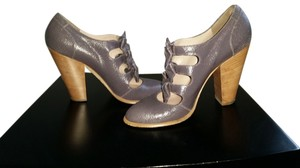 Marc by Marc Jacobs Vintage Look Cracked Leather lilac Pumps