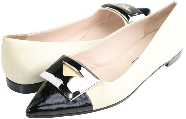 Item - Multicolor Pointy Toe with Hardware Logo Flats Size EU 37.5 (Approx. US 7.5) Regular (M, B)