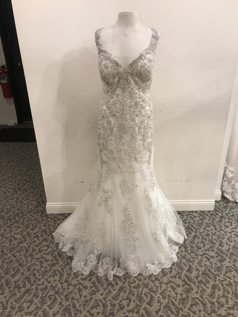 Item - Ivory/Silver/Anitque Ivory Lace/Tulle D2399 Formal Wedding Dress Size 24 (Plus 2x)