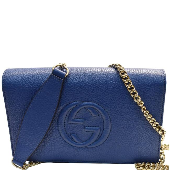 Item - Wallet on Chain Soho Mini Blue Pebbled Leather Clutch