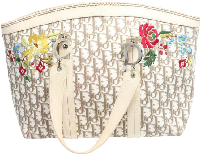 Item - Bag issimo Embroidered Flowers Large Beige Canvas Tote