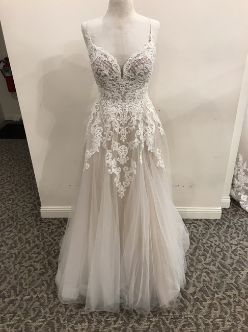 Item - Ivory/Moscato-porcelain Lace/Tulle D2363iq Formal Wedding Dress Size 12 (L)