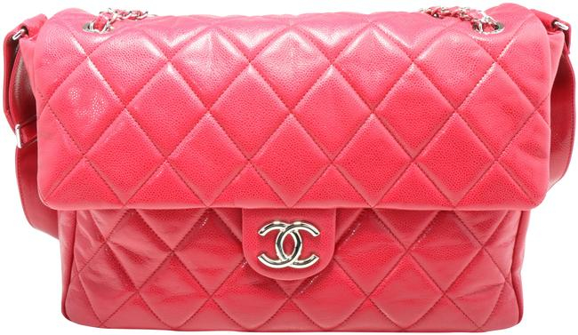 Item - Classic Flap Quilted Maxi Classic Single Fuchsia Patent Leather Messenger Bag