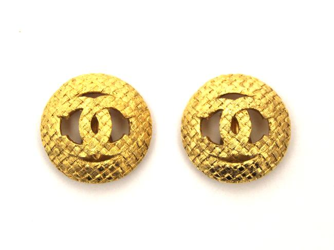Item - Gold Vintage Costume Matted Plated Classic Clip On Ea Earrings