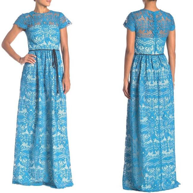Item - Blue Ml Lace Short Sleeve Formal Bridesmaid/Mob Dress Size 6 (S)