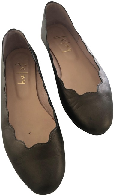 Item - Olive Green Fall Collection Flats Size US 7.5 Regular (M, B)