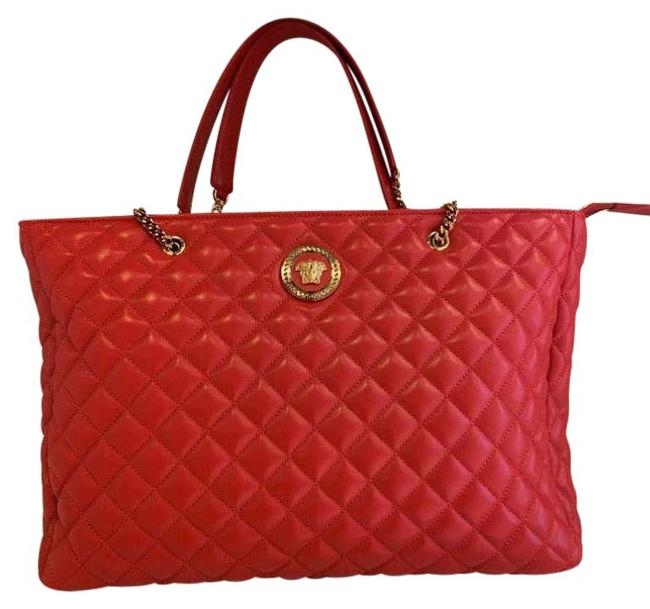 Item - Bag Medusa Quilted -- Large In Red Leather Tote